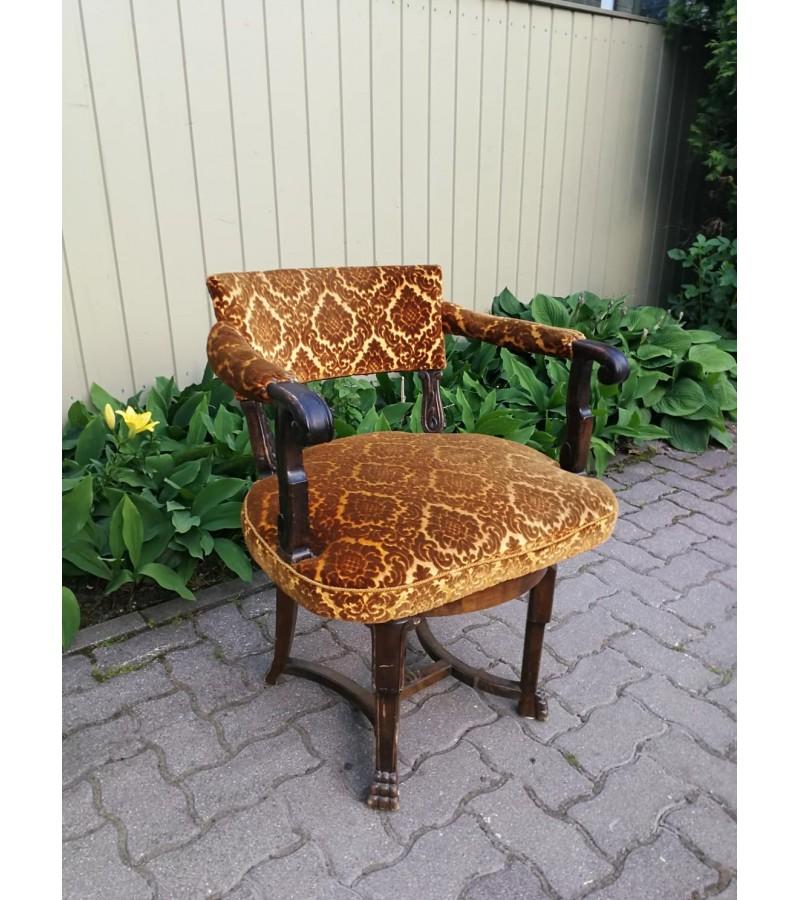 Antikvarinis krėslas, fotelis sukasi apie savo ašį. Kaina 157
