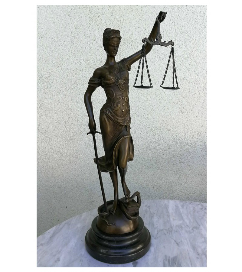 Teisingumo deivė - Temidė, bronzinė. Pagaminta Prancūzijoje. Kaina 288