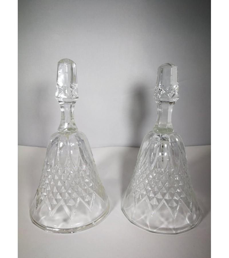 Varpeliai stikliniai, vienodi. 2 vnt. Kaina po 11