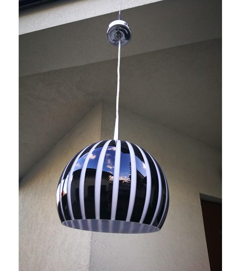 Šviestuvas, lempa modern stiliaus vokiška. Kaina 87