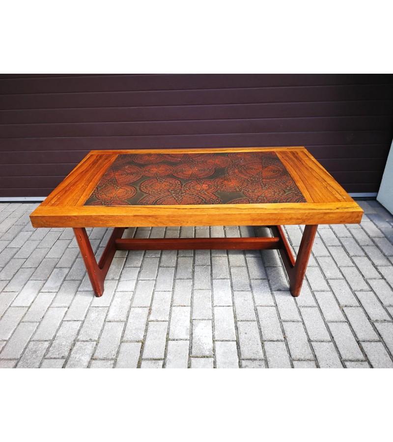 Stalas skandinaviškas Modern stiliaus. Kaina 157