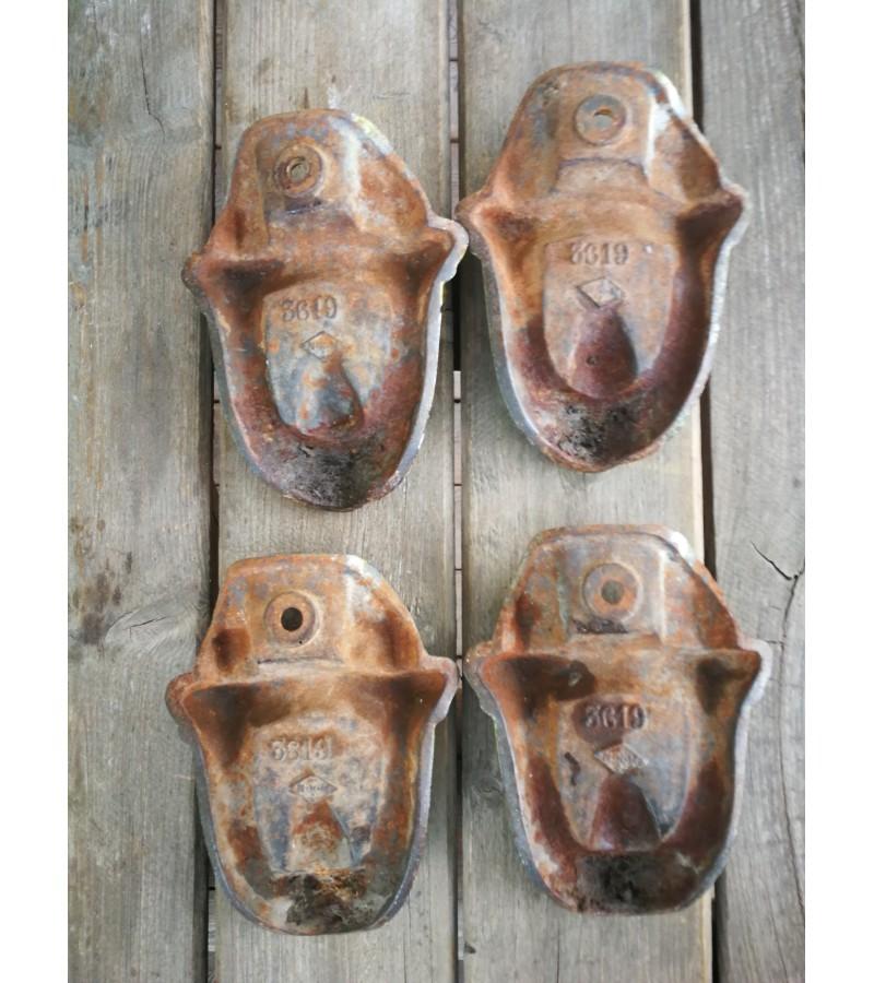 Kojos špižinės emaliuotos antikvarinės. 4 vnt. Kaina 63 už visas.