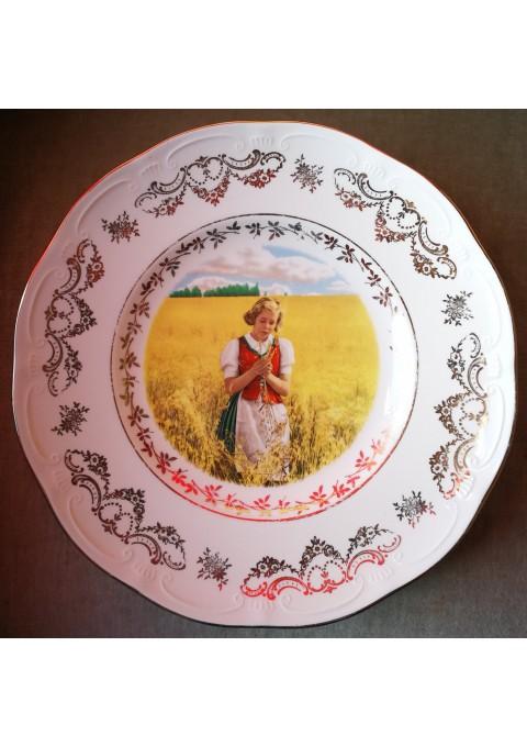 Lėkštė antikvarinė, pakabinama, dekoratyvinė. Kaina 38