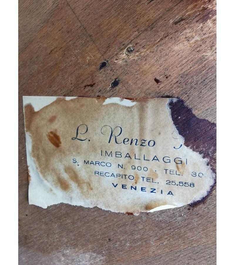 Spintelė, antikvarinė, pagaminta Venecijoje. Kaina 178
