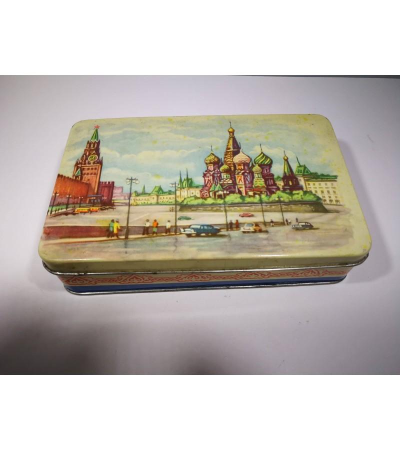 Dėžutė tarybinė, skardinė Maskvos kremlius. Kaina 17