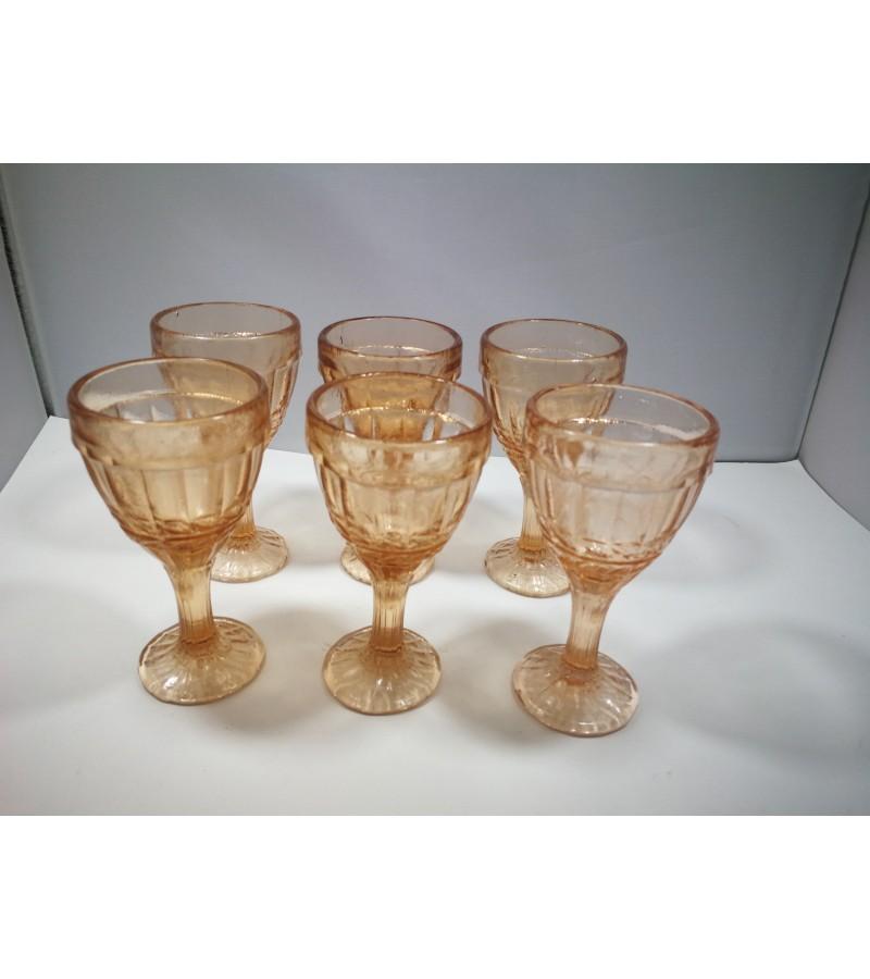 Stikliukai, taurelės tarybiniai, 24 vnt. Kaina po 6,5