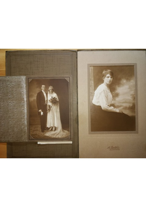 Nuotraukos antikvarinės 2 vnt. Kaina 16 už abi.