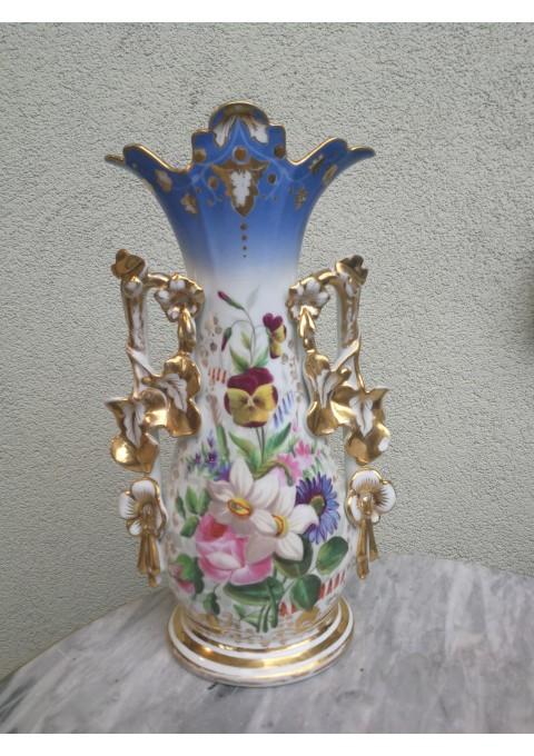 Vaza antikvarinė porcelianinė. Kaina 42
