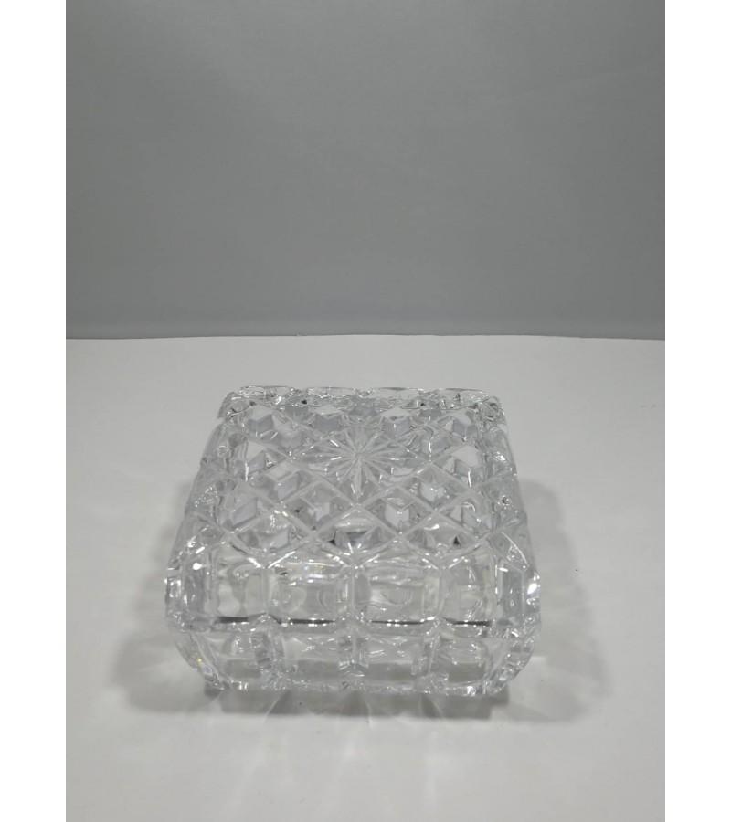 Dėžutė, stiklinė papuošalų. Kaina 12
