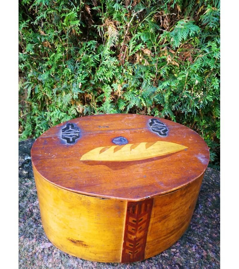 Duoninė medinė senoviška. Kaina 32