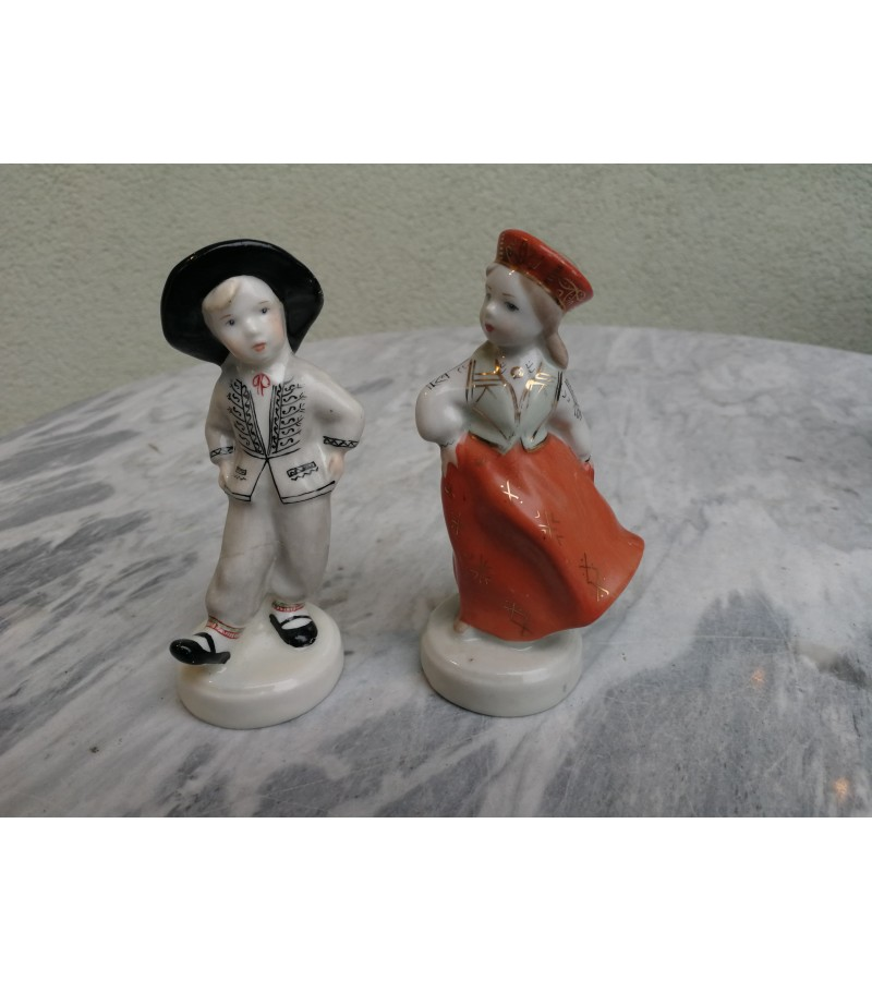 Statulėlė porcelianinė-Šokėjai. Latvijos TSR. Kaina 22 už abu.
