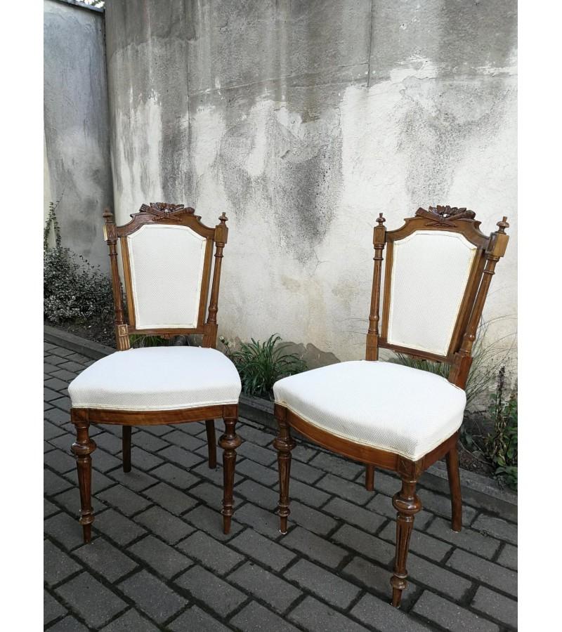 Kėdės antikvarinės su raižiniais. 2 vnt. Kaina po 48