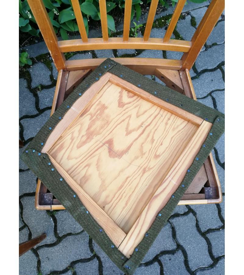 Kėdės, medžio masyvo, 4 vnt. Kaina po 13