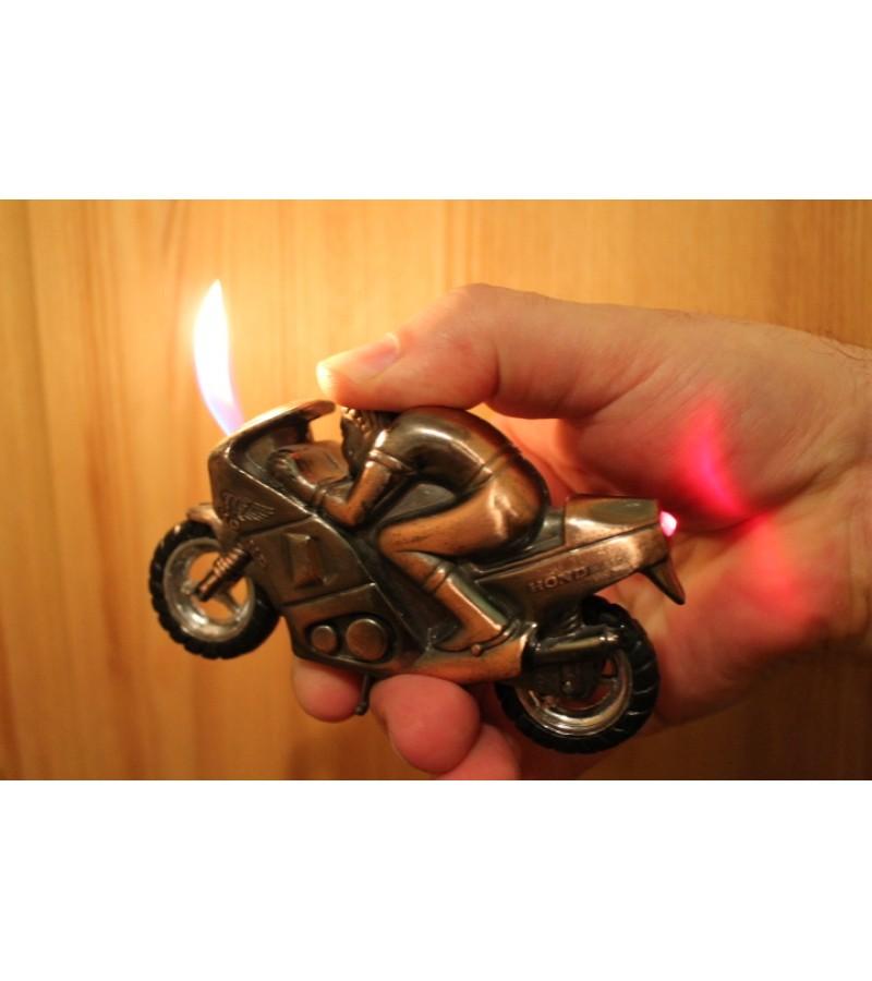 Benzininis ziebtuvelis - motociklas Honda. Kaina 23 Eur.