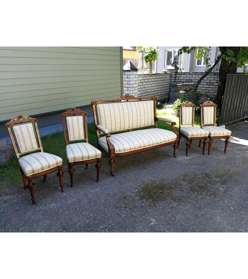 Antikvarinis komplektas: kanapa, sofa, kėdės. Kaina 570 už viską.