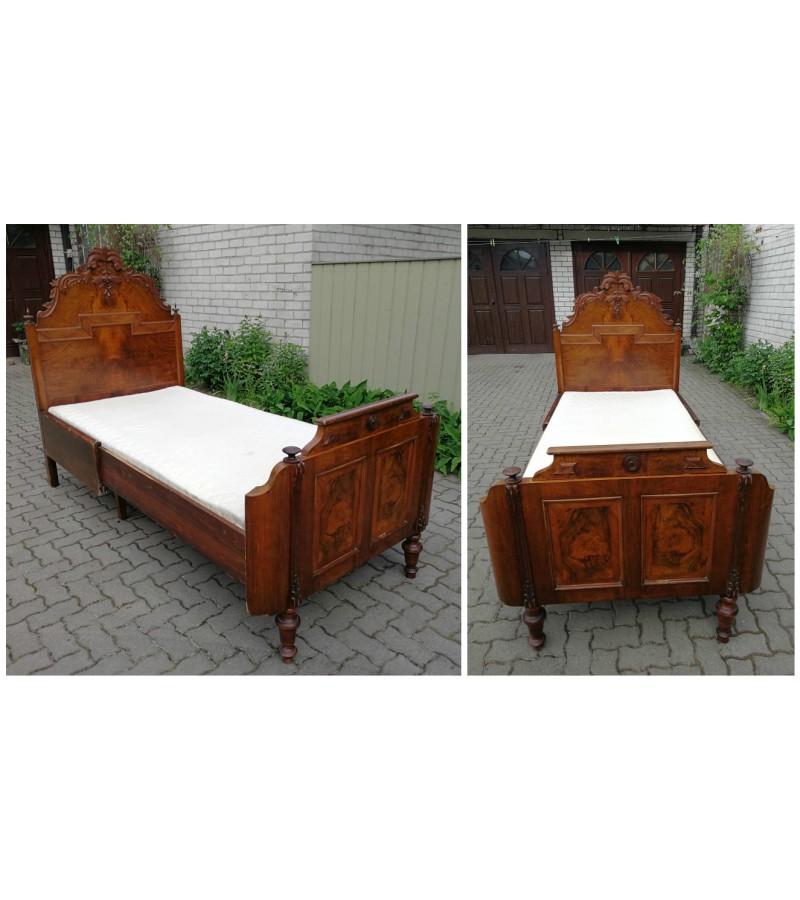 Antikvarinė didelė lova su čiužiniu. Kaina 385