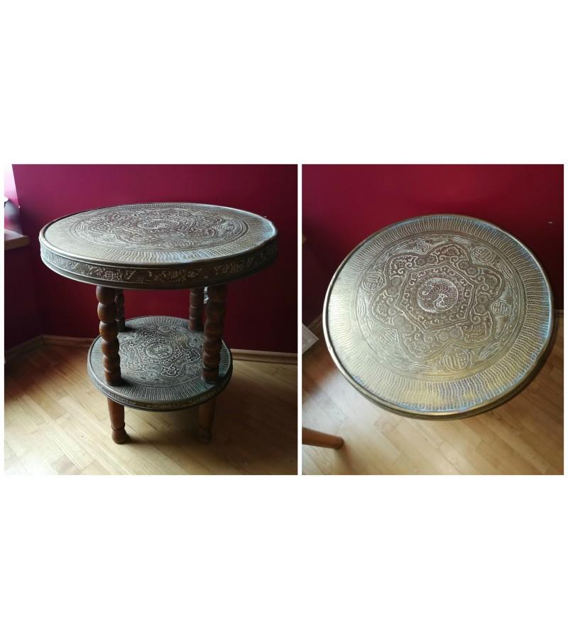 Antikvarinis rytietiskas stalas. Kaina 187