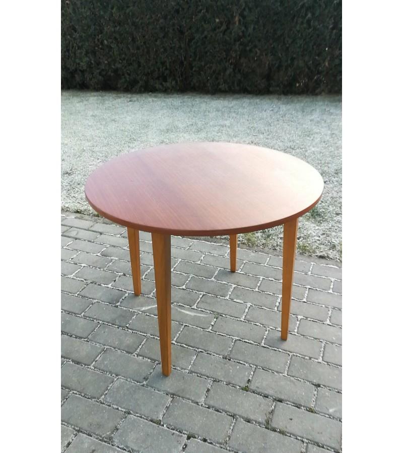 Apvalus vintažinis stalelis, skandinaviško stiliaus. Kaina 83
