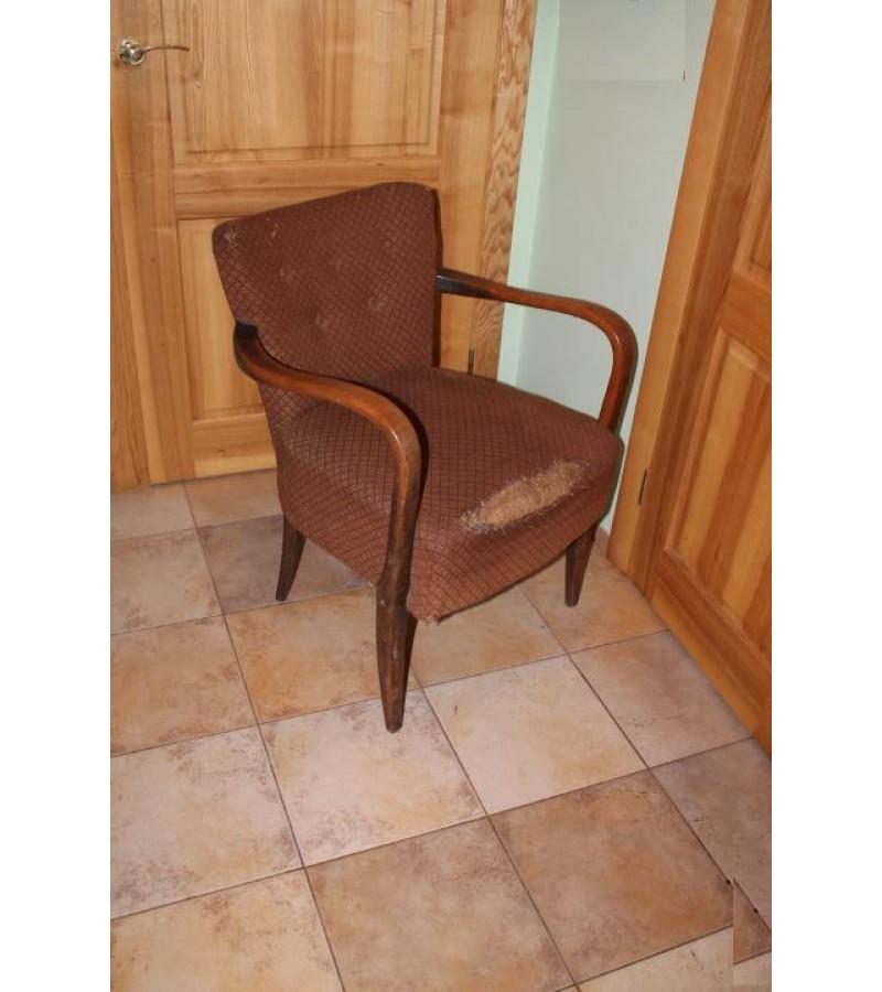 Fotelis, antikvarinis. Kaina 86 Eur.
