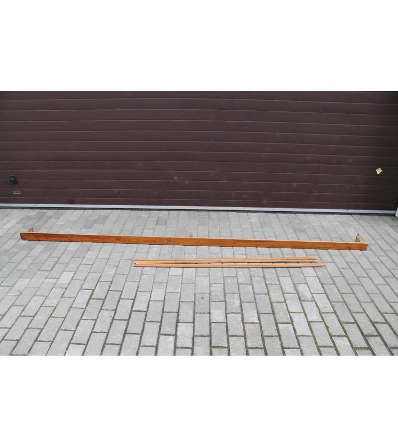 Karnizas medinis, ilgis 310 cm. Kaunas. Kaina 21