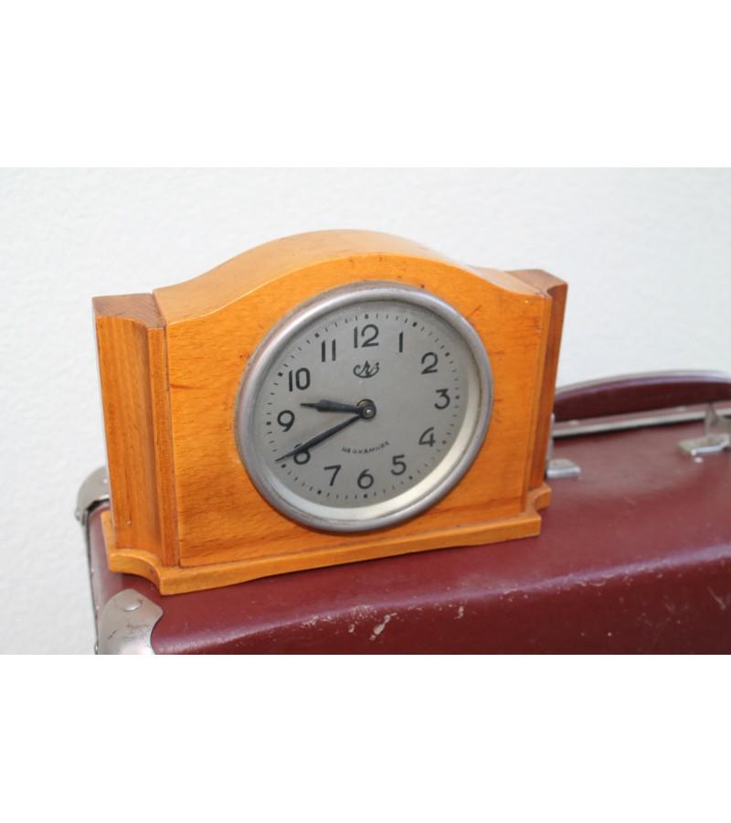 Tarybinis 1959 m. laikrodis. Kaina 31 Eur.
