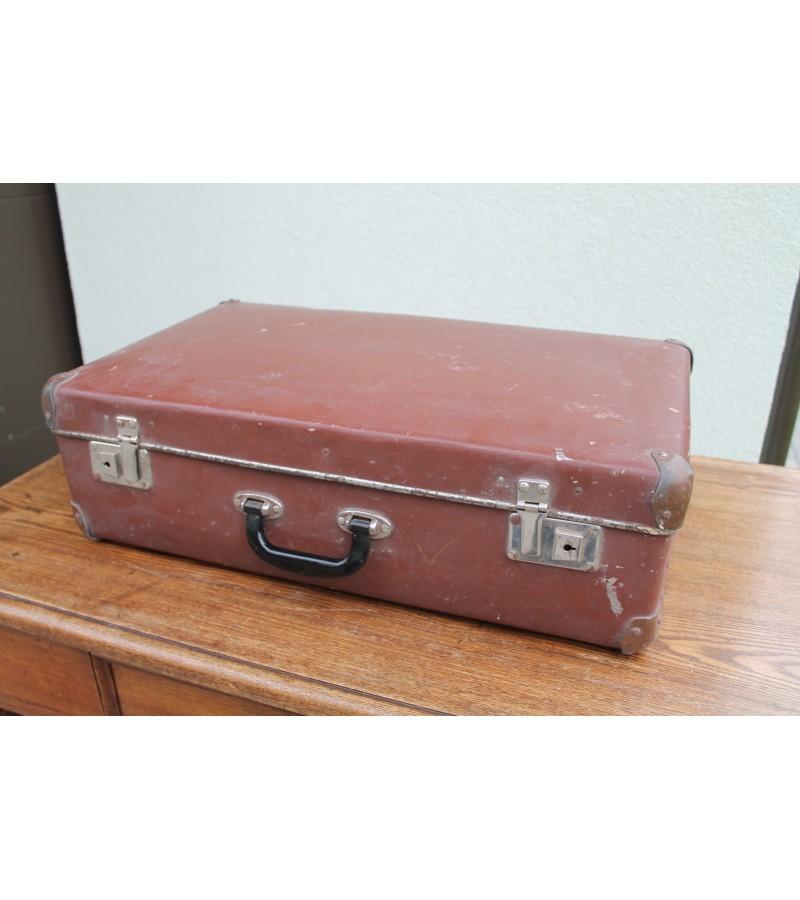 Tvarkingas vintazinis lagaminas. Kaina 26