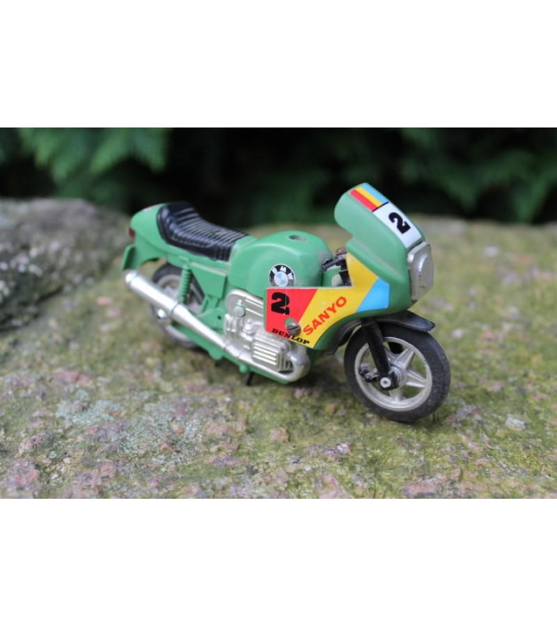 Tarybiniais laikais pagamintas modeliukas motociklas. Kaina 12