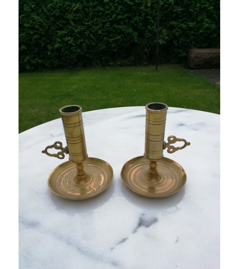 Antikvarines bronzines reguliuojamo aukscio zvakides. 2 vnt. Kaina 22 uz abi.