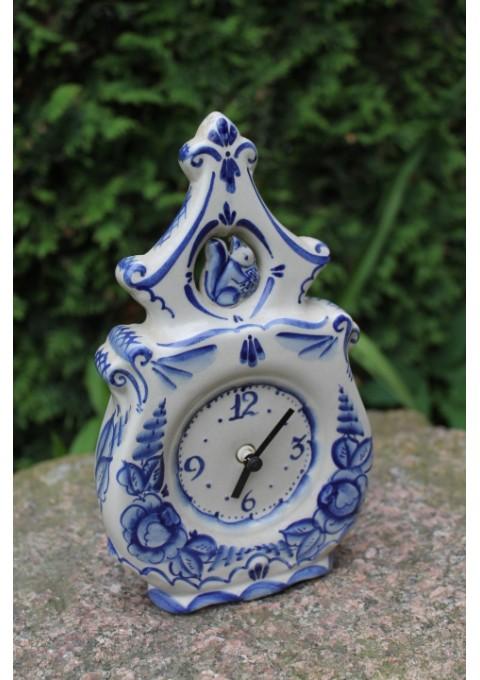 Tarybinis laikrodis. Kaina 13 Eur.