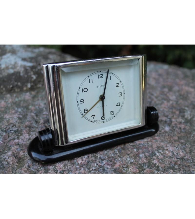 Laikrodis zadintuvas SLAVA. Kaina 28 Eur.