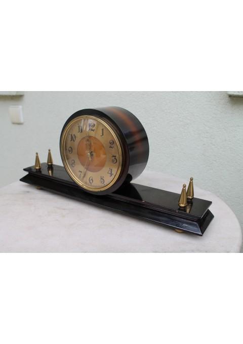 Laikrodis Vesna. Kaina 37 Eur.