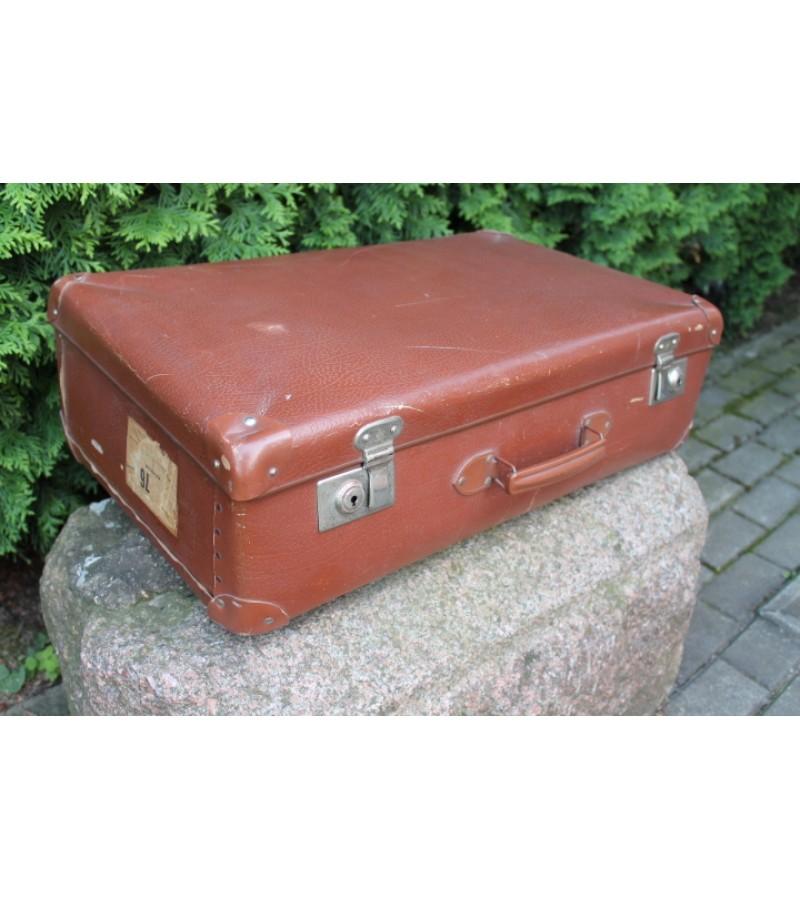 Vintazinis vokiskas didelis lagaminas. Kaina 27 Eur.