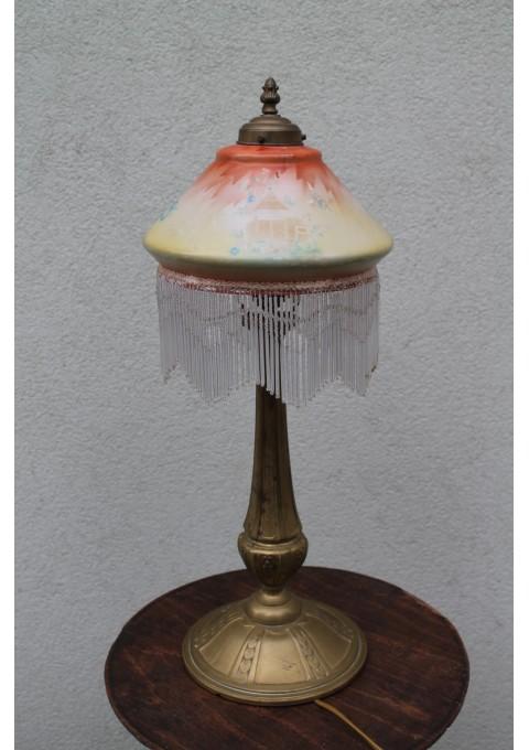 Antikvarinis prancūziškas stalinis šviestuvas ant aukšto stovo. Kaina 272 Eur.