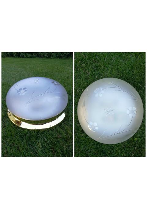 Idealios bukles sviestuvas raizytu stiklu. Kaina 63