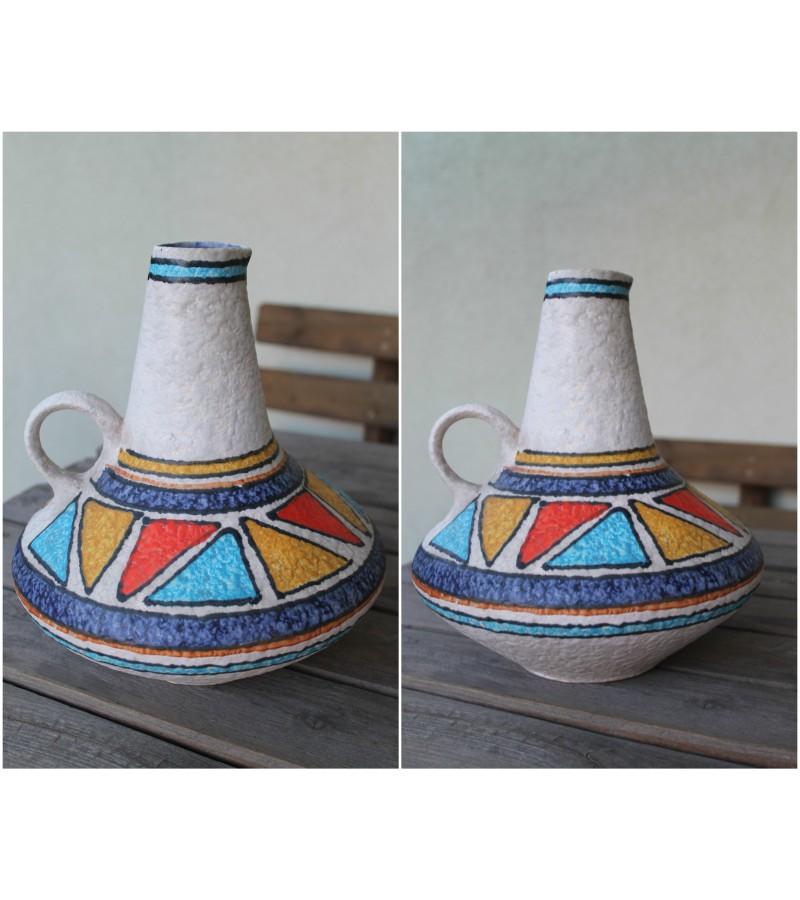 Mid-century modern vaza sausoms gelems. Kaina 23