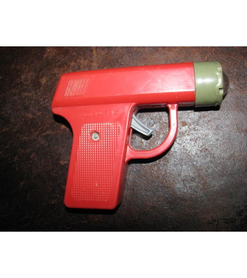 Pistoletas-zibintuvelis TSRS. Kaina 5 Eur.