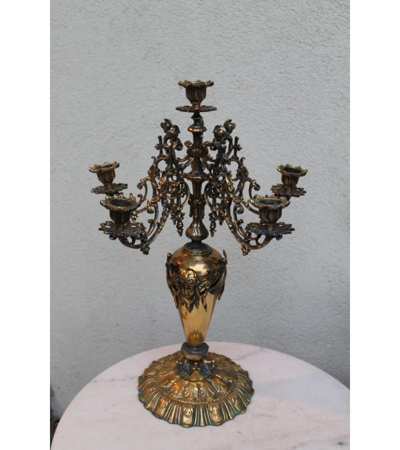 Vintazine, bronzine 5,5 kg. sverianti zvakide. Kaina 237