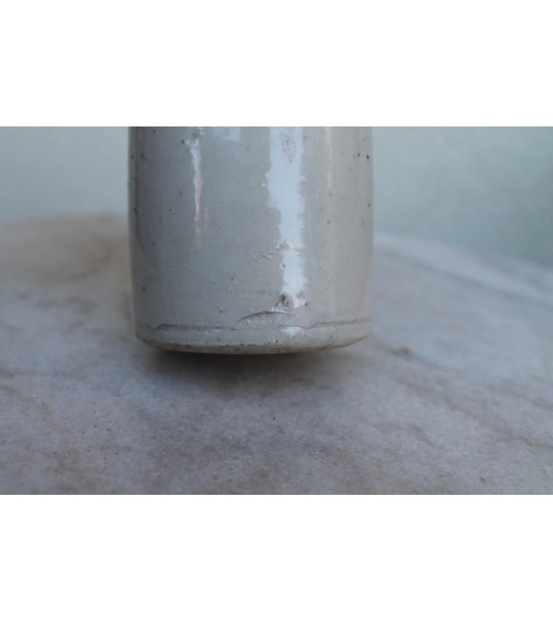 Antikvarinis molinis butelis. Kaina 12 Eur.