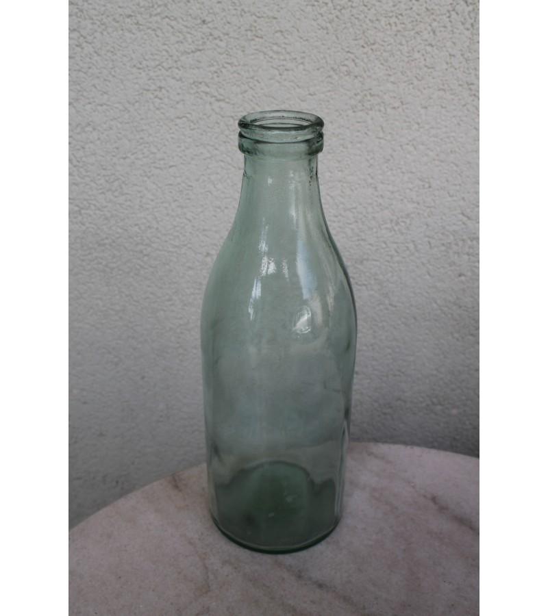 Tarybinis 1 litro pieno butelis. Kaina 7