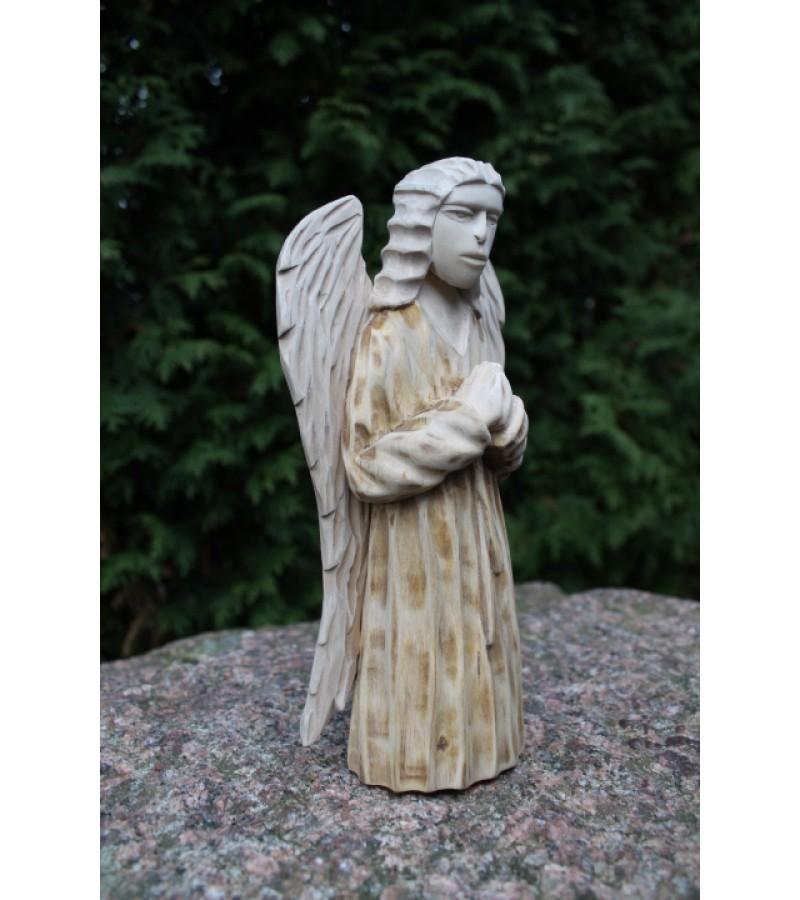 Medinis angelas. Kaina 43 Eur.