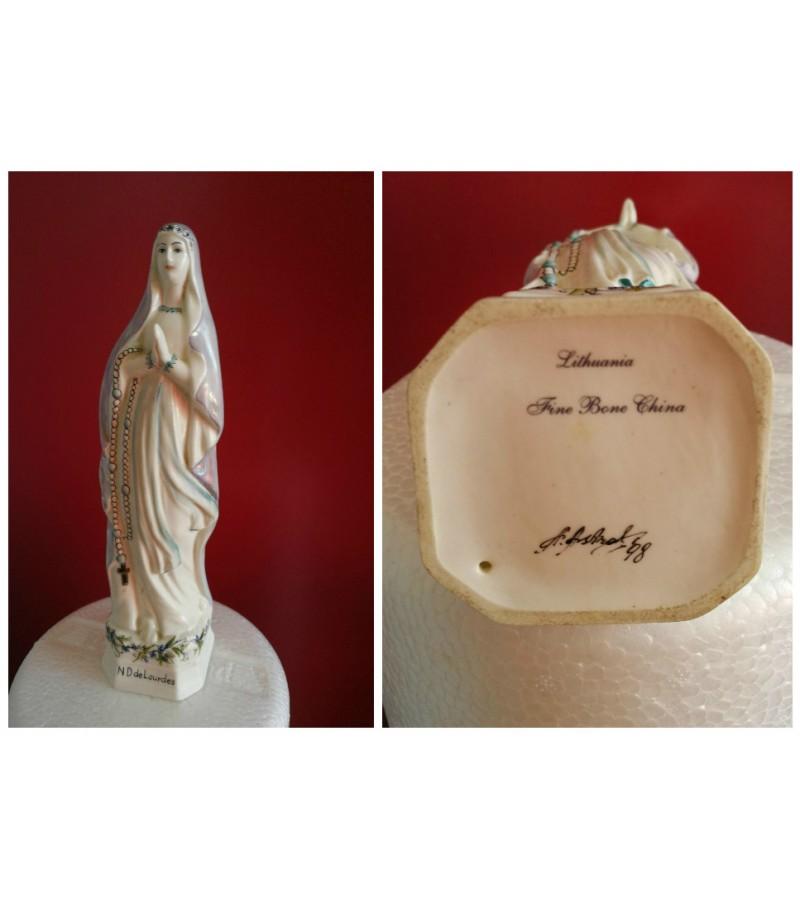 Sv. Marijos porcelianine statulele. Kaina 32