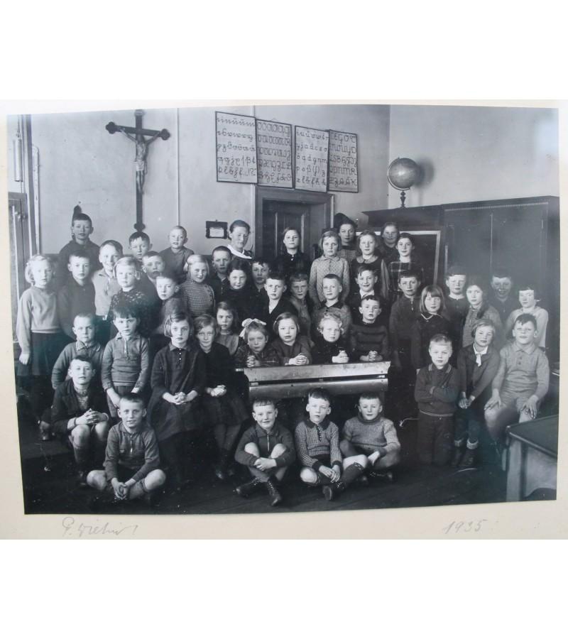 Mokiniai, 1935 m. Vokietija. Kaina 8