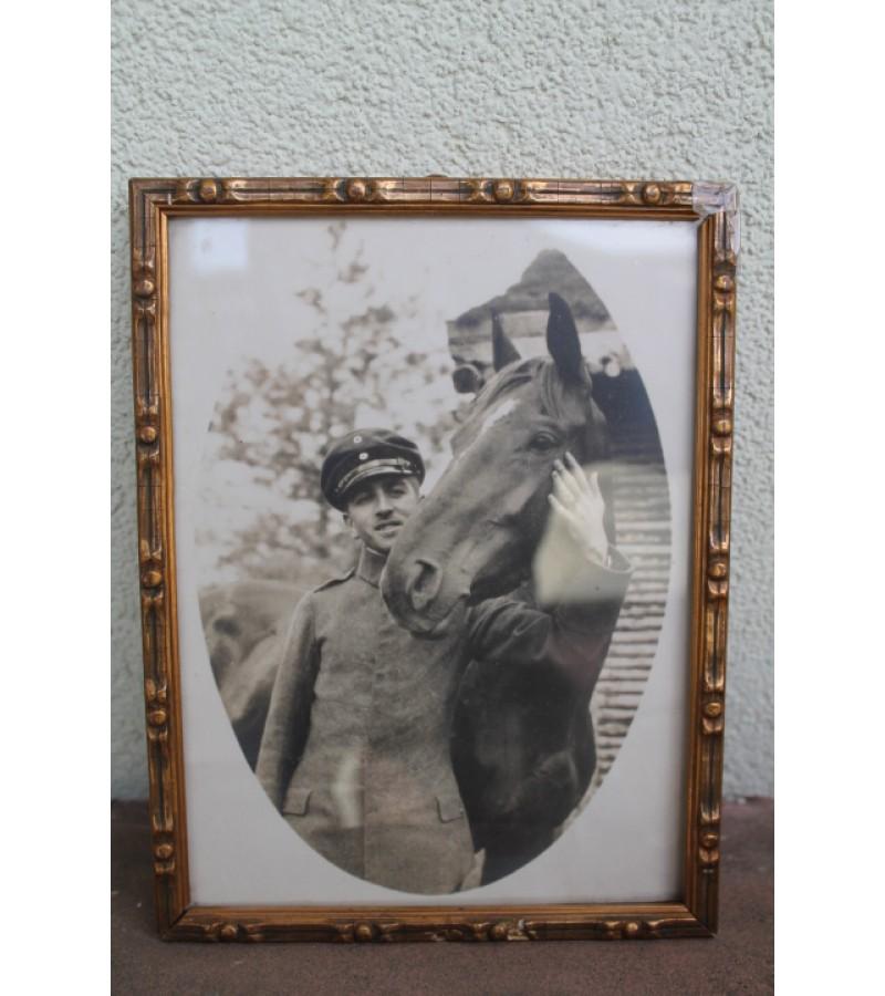 Nuotrauka Kareivis su zirgu. Kaina 14 Eur.