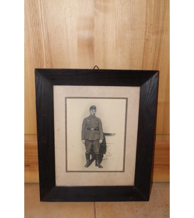 Kareivio nuotrauka. Kaina 16 Eur.