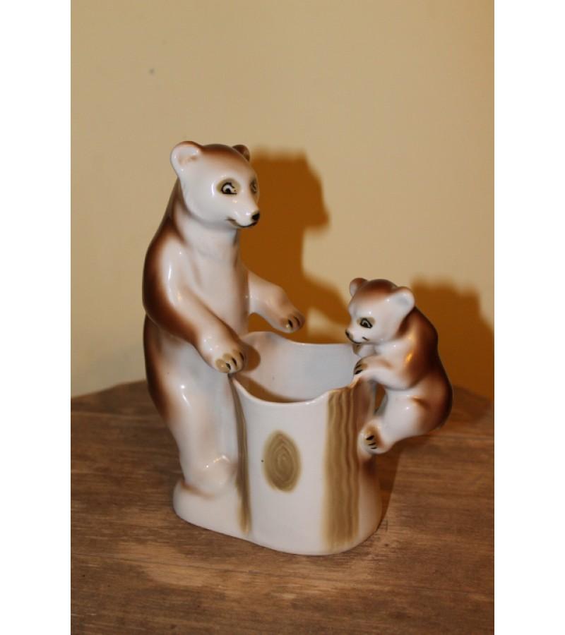Porcelianiniai meskiukai - piestukine. Kaina 26 Eur.