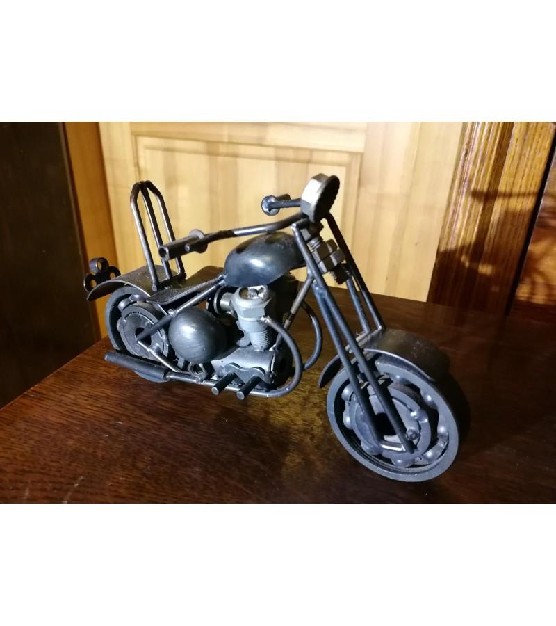 Metalinis motociklas. Kaina 27