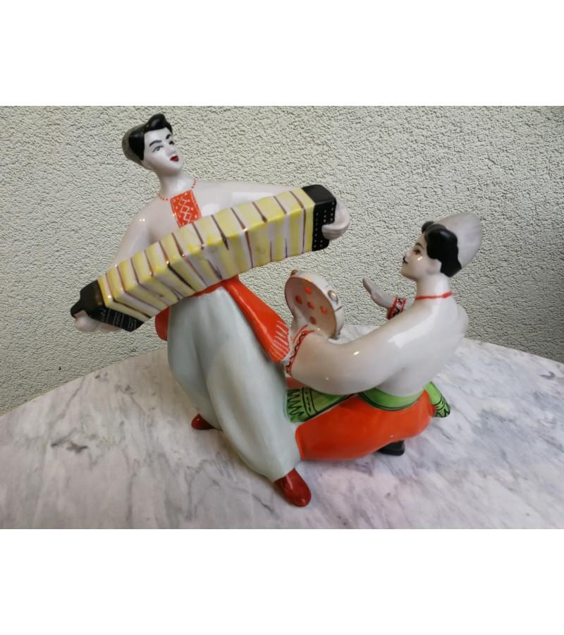 Porcelianine statulele Muzikantai. Kaina 62