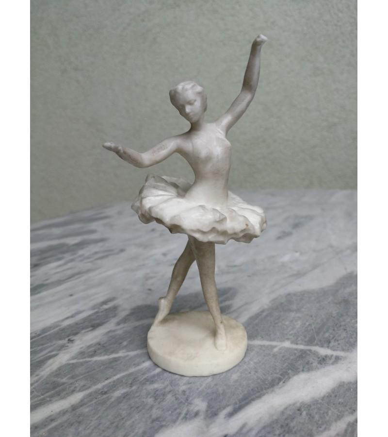 Balerinos statulele. Kaina 16