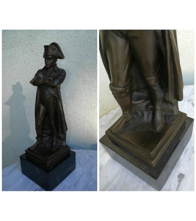 Bronzine Napoleono statula marmuriniu pagrindu. Kaina 218