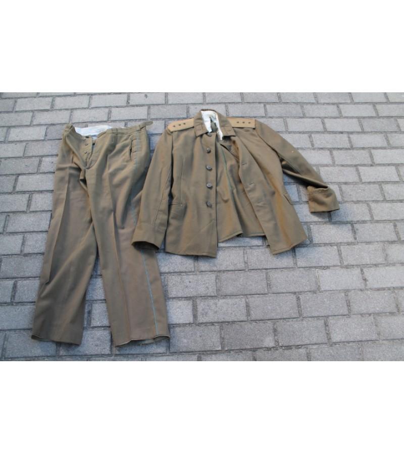 Uniformines kelnes ir svarkas. Kaina 12 Eur. uz abu.